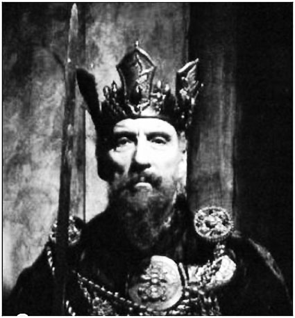 Christopher_Lee_Iron_Crown.JPG