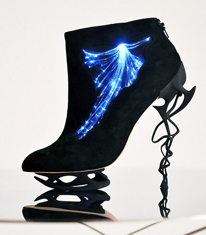 Fiber-Optic-Illuminated-Heels.jpg