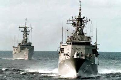 HMASAnzacHMASSydney.jpg