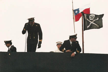 HMS_Sealion_1987_Jolly_Roger.jpg