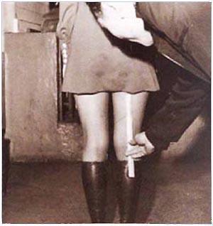 KoreanMiniSkirt1973.jpg