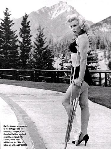 Marilyn_Monroe_ankle.jpg