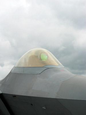 f22cockpit.jpg